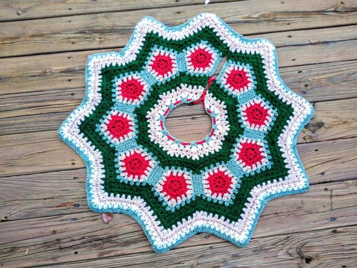 Crochet Tree Skirt
